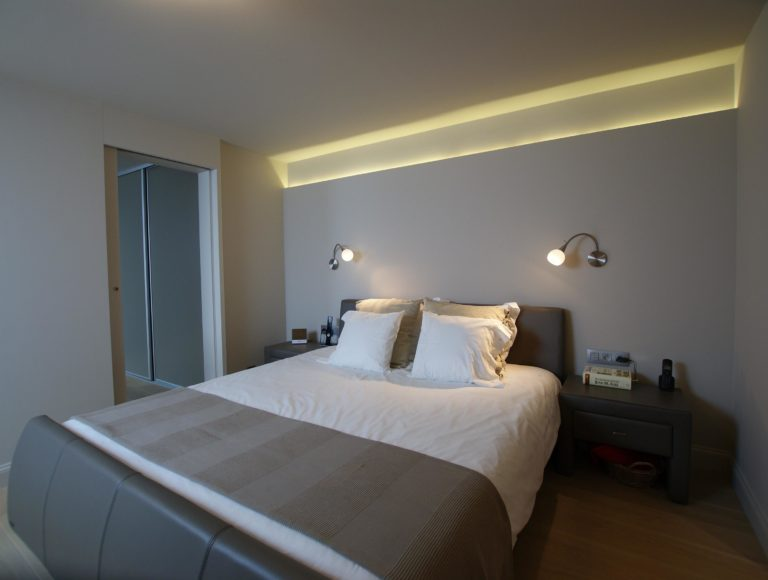 Totaalrenovatie slaapkamer dressing Velux verlichting