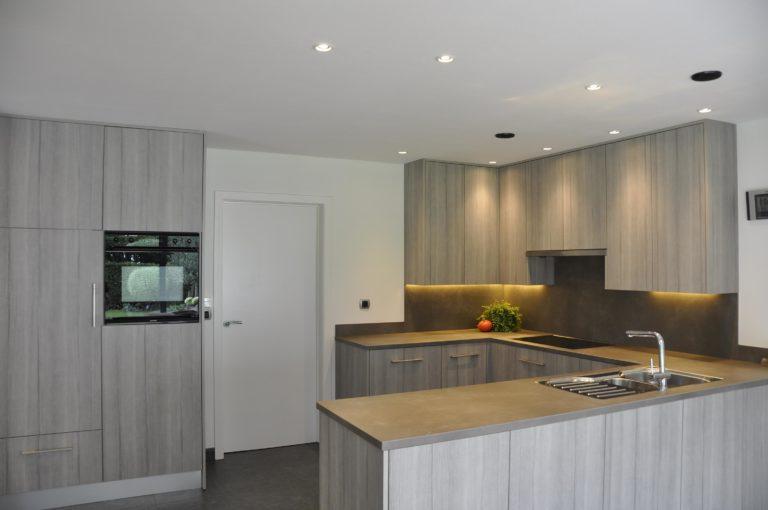 Renovatie keuken kasten werkblad uitbouw