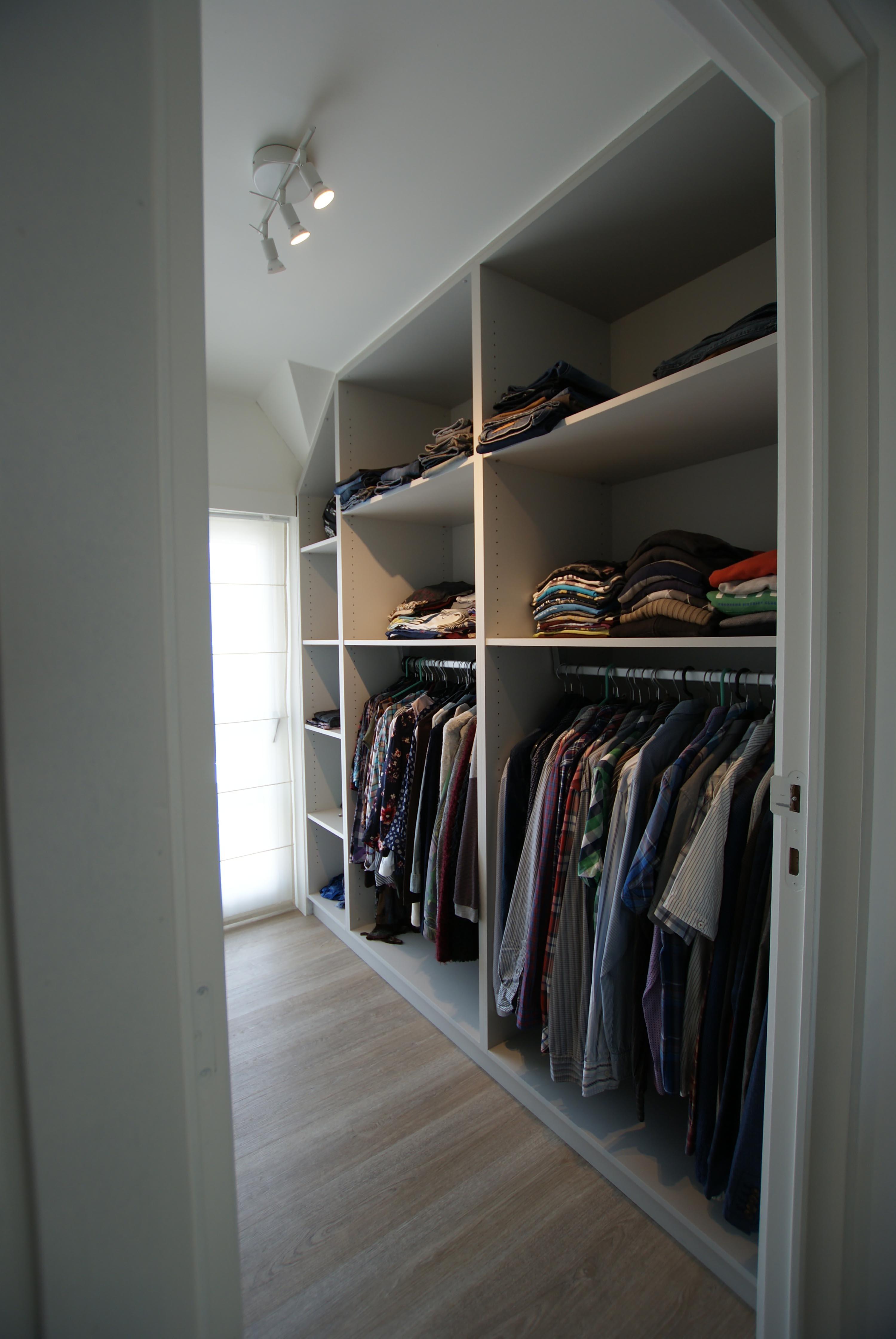 Interieur renovatie bureau dressing badkamer - Groep Cnudde