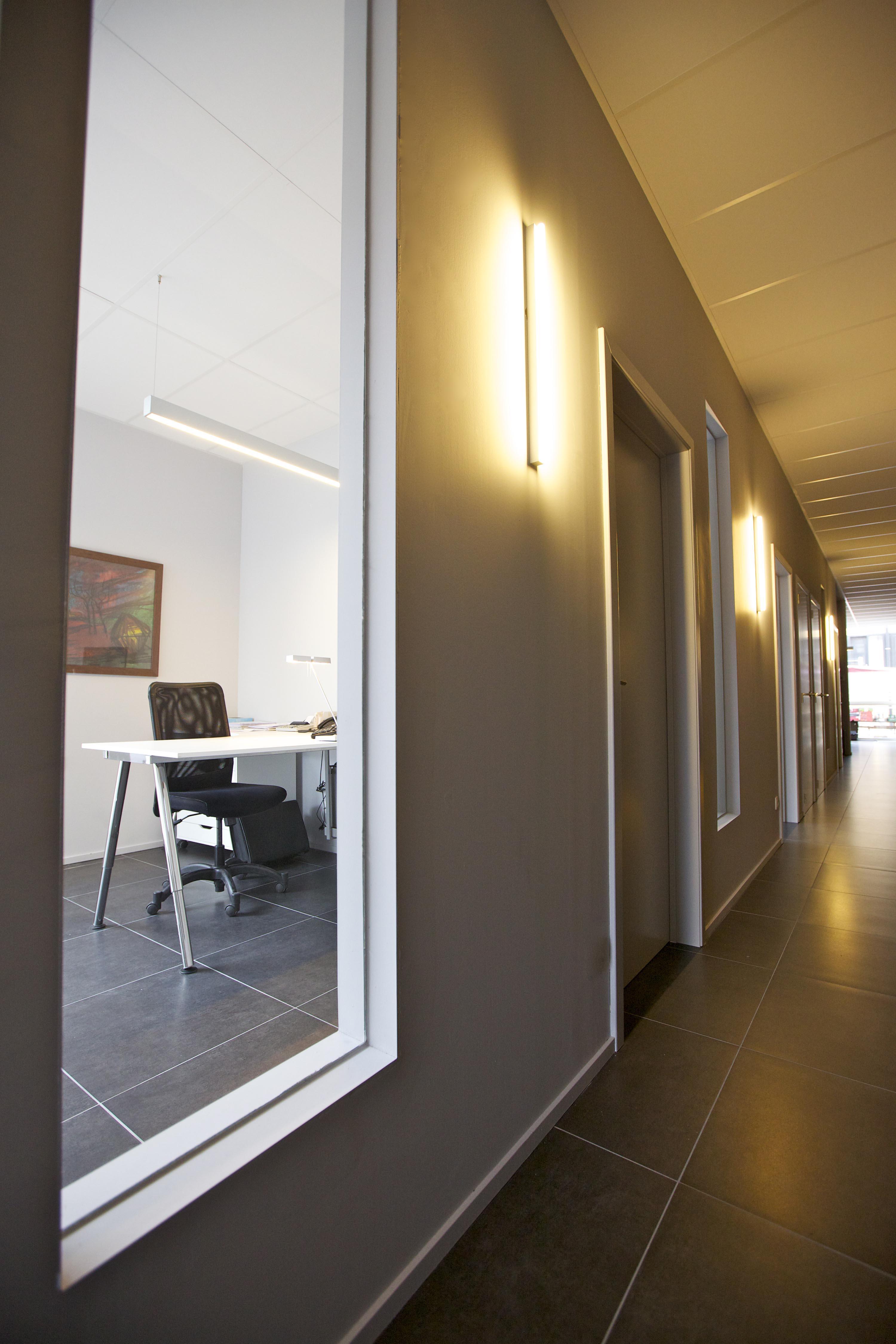 Vloeren Wanden Kasten Burelen Verlichting Verwarming Groep