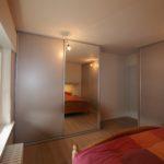 afgewerkt-slaapkamer-parket-kasten